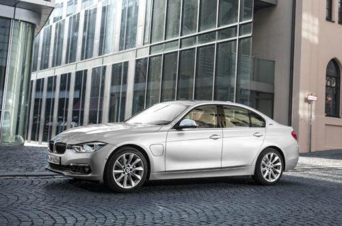 BMW 330e Vehicle